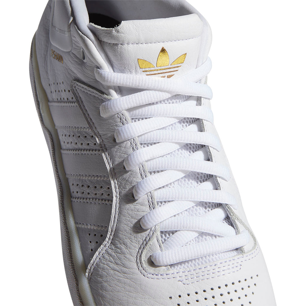 Adidas Skateboarding Tyshawn Shoes in Footwear White / Footwear White / Footwear White - Top