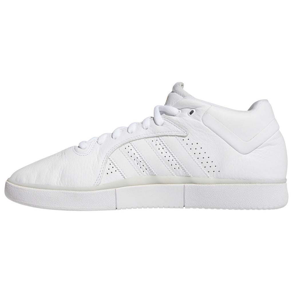 Adidas Skateboarding Tyshawn Shoes in Footwear White / Footwear White / Footwear White - Instep