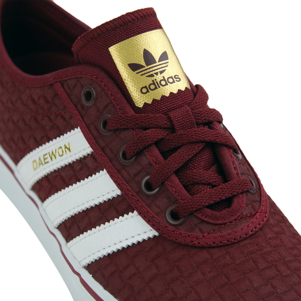 Adidas Skateboarding 'Daewon' Adi Ease Shoes in Collegiate Burgundy / Footwear White / Gold Metallic - Detail