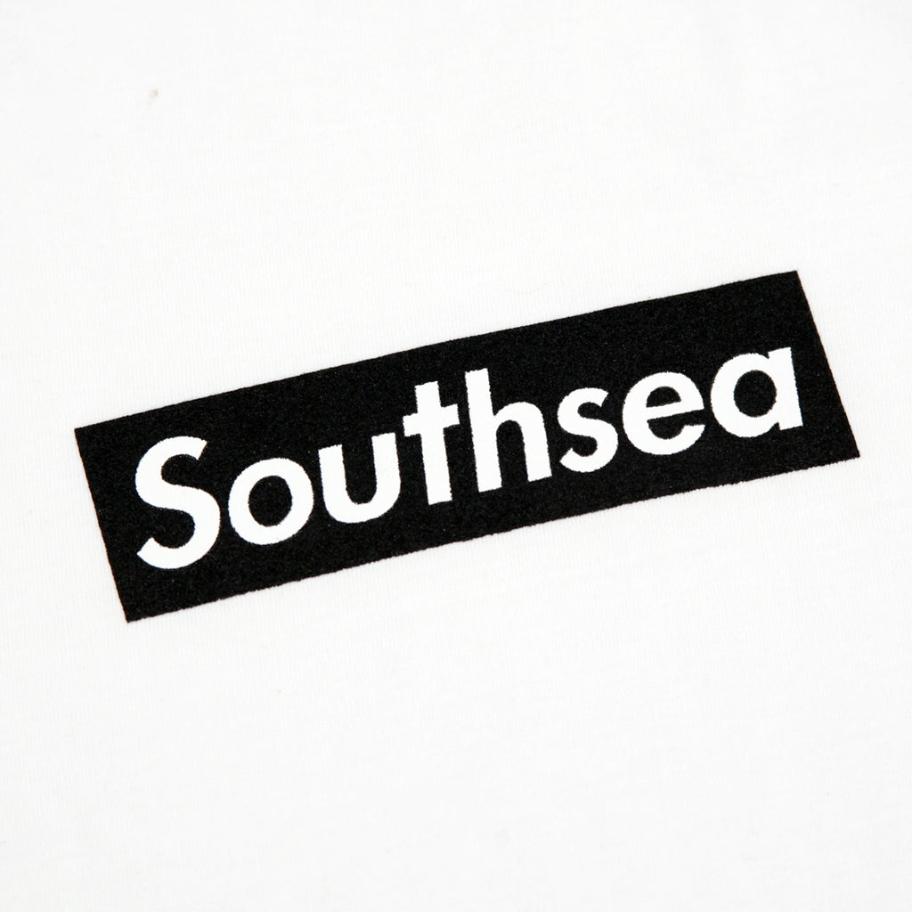 "Bored of Southsea ""Southsea"" T Shirt in White / Black Box - Print"