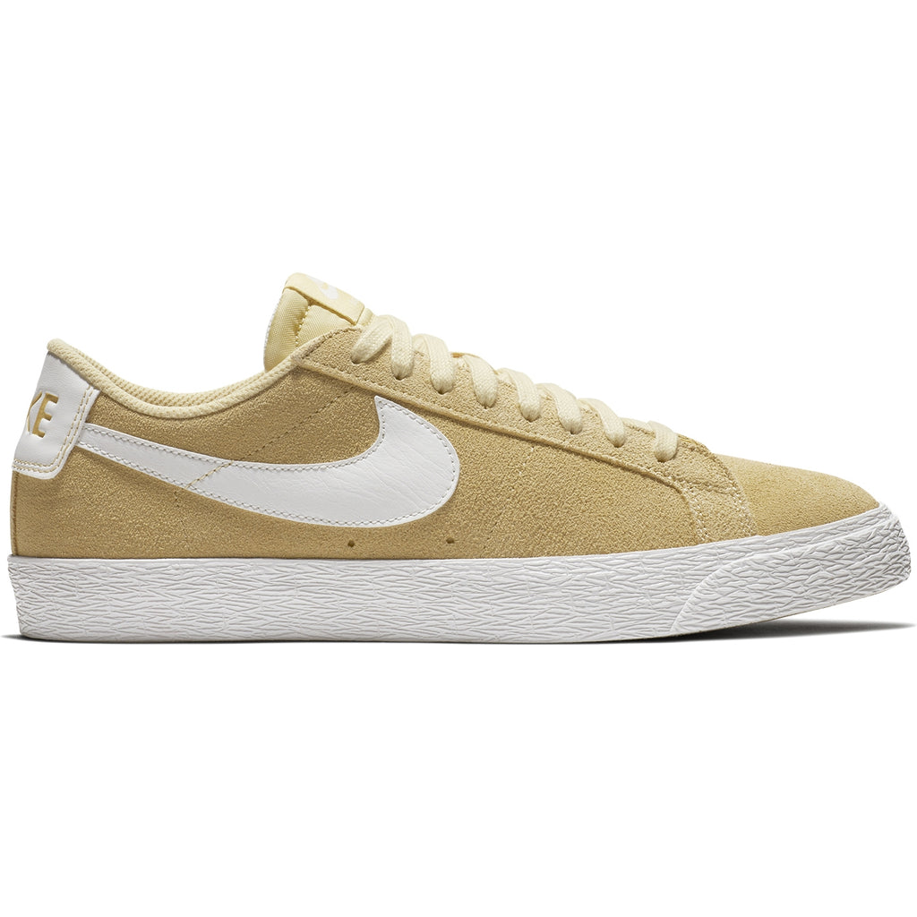 Nike SB Zoom Blazer Low Shoes in Lemon Wash / Summit White