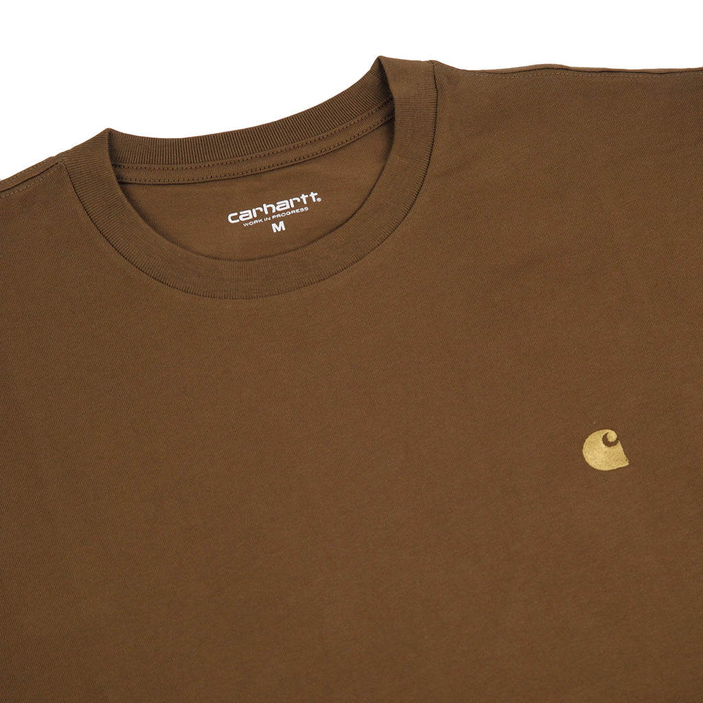 Carhartt Chase T Shirt in Hamilton Brown / Gold - Detail