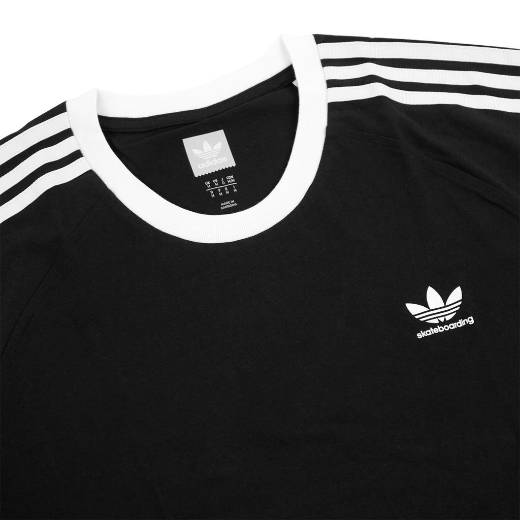 Adidas Skateboarding California 2.0 T Shirt in Black / White - Detail