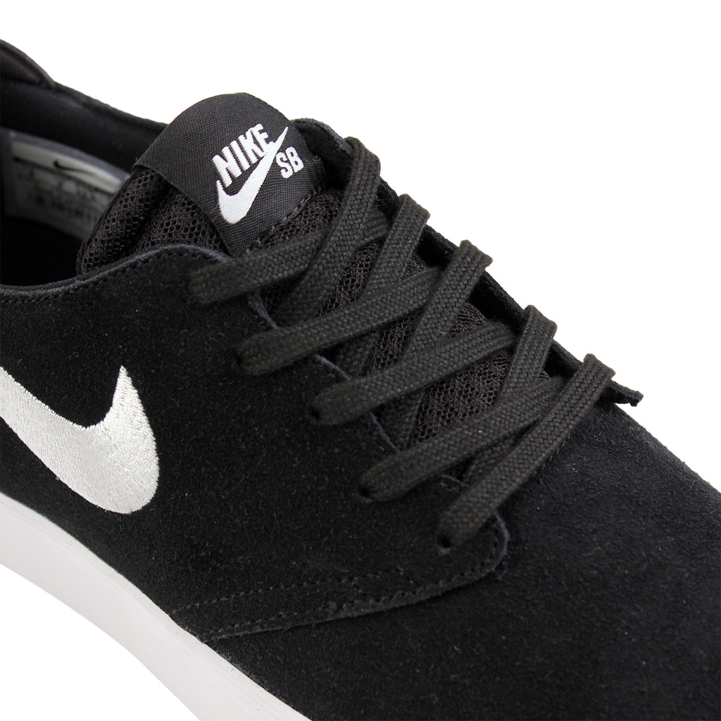 Nike SB One Shots in Black / White - Laces