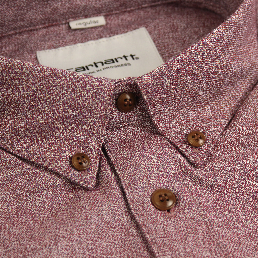 Carhartt L/S Cram Shirt in Cranberry - Collar