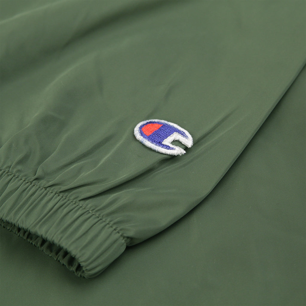 Champion Reverse Weave Half Zip Wind Jacket in Bottle Green - Patch