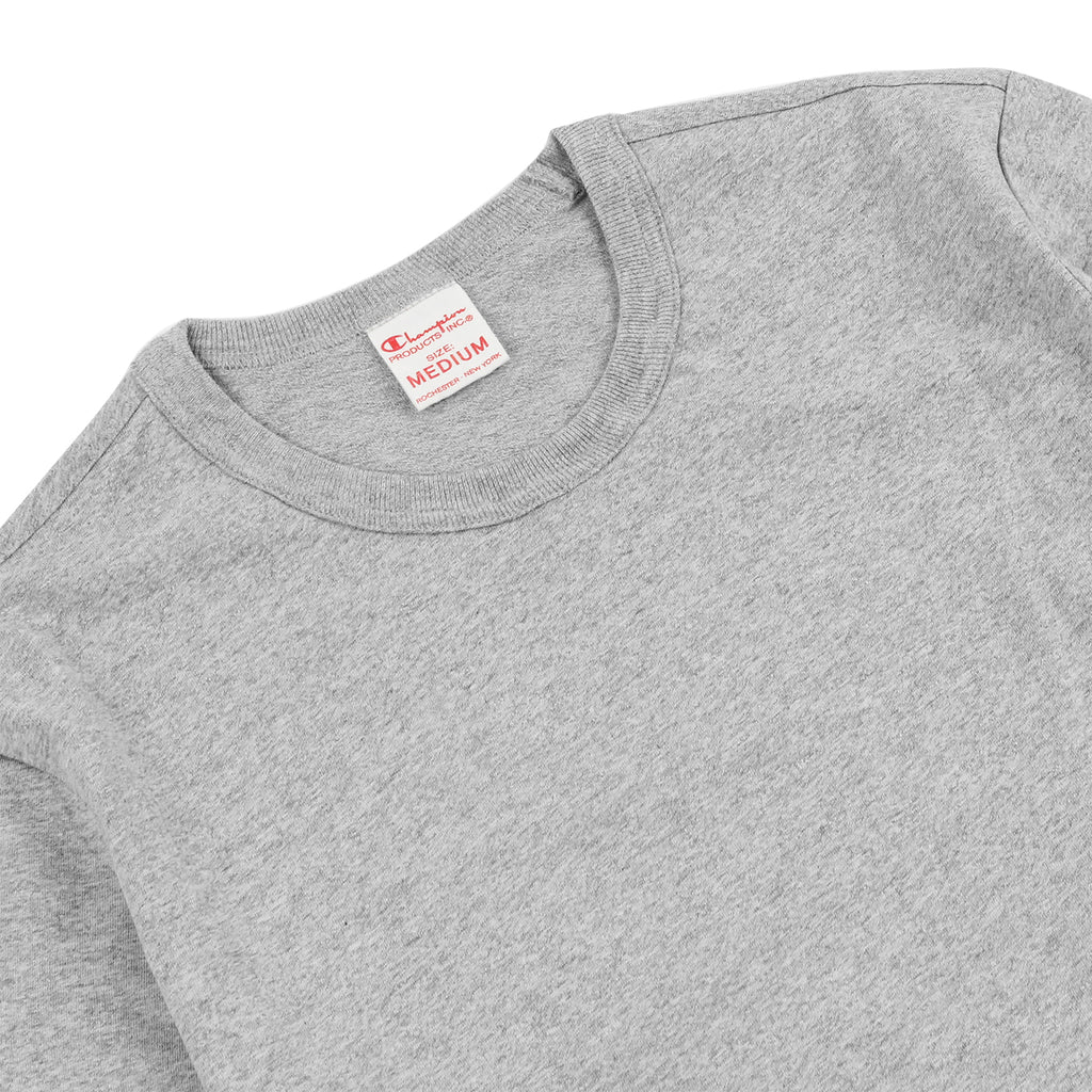 Champion L/S Crew Neck T Shirt in Grey Melange - Detail