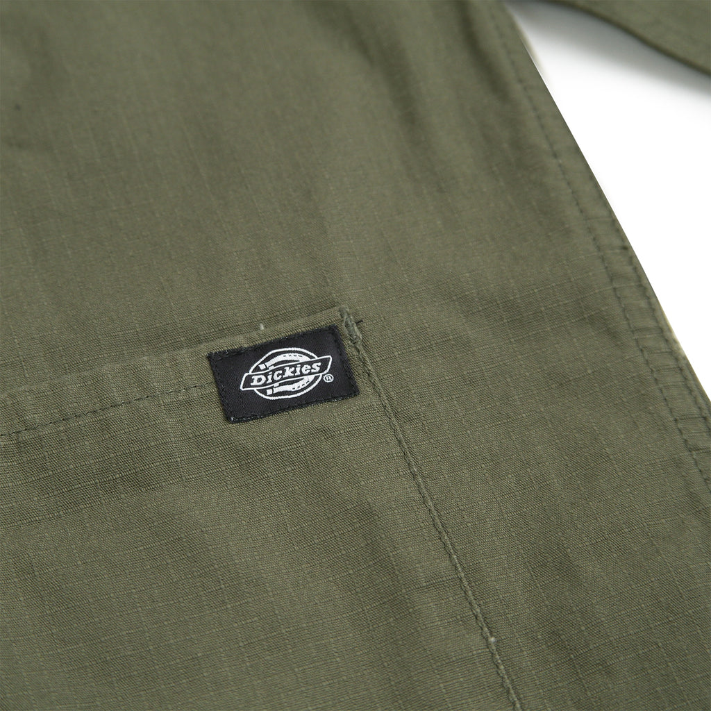 Dickies Kempton Shirt in Dark Olive - Label