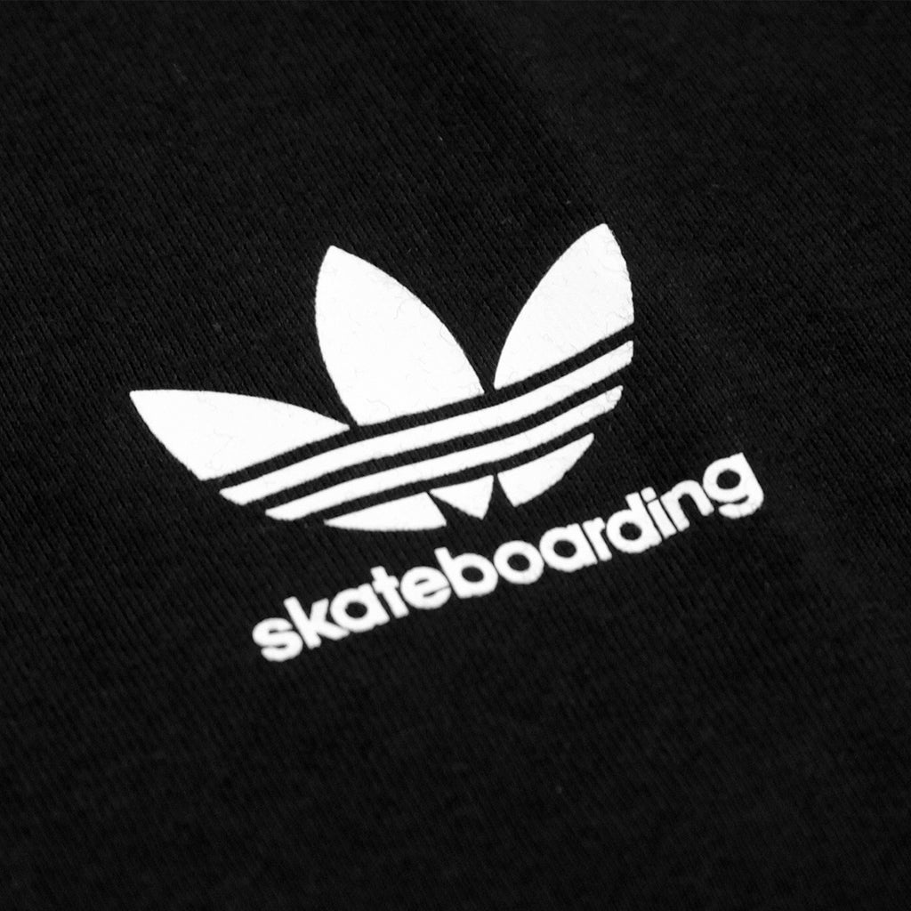 Adidas Skateboarding California 2.0 T Shirt in Black / White - Print