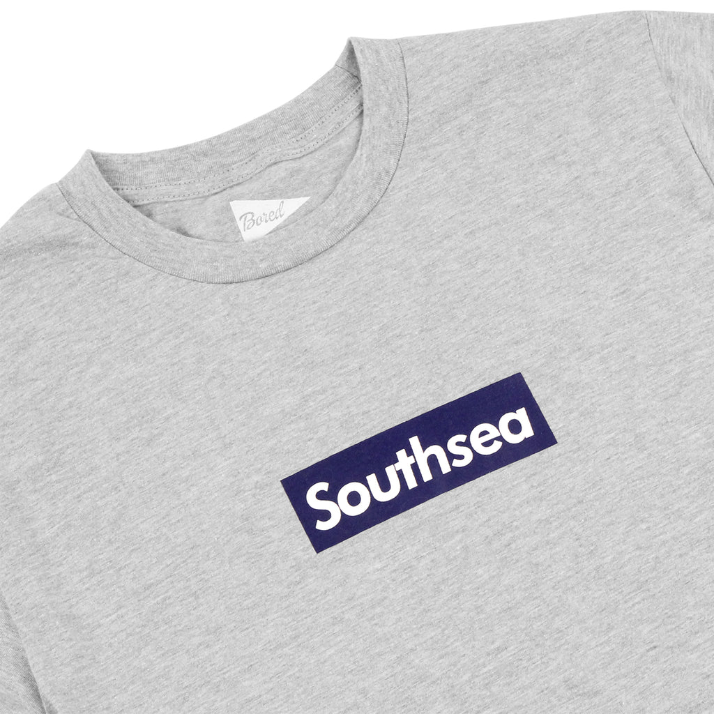 "Bored of Southsea ""Southsea"" T Shirt in Heather Grey / Blue Box - Detail"