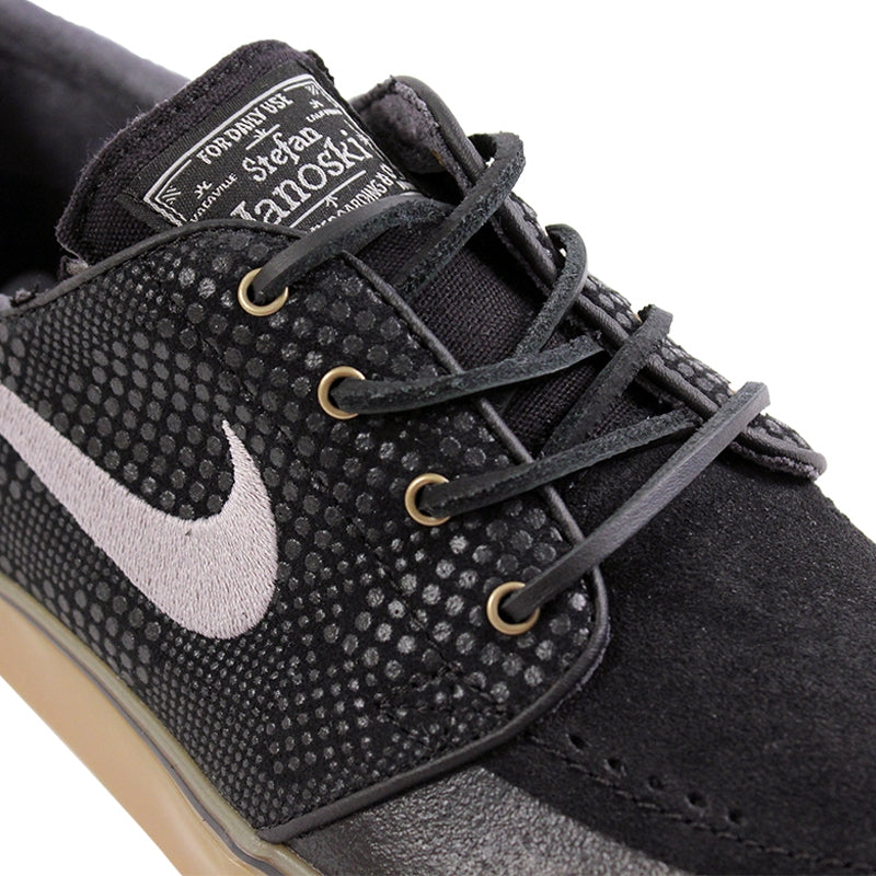 Nike SB Stefan Janoski PR SE Shoes in Black / Medium Gum / Light Brown - Laces