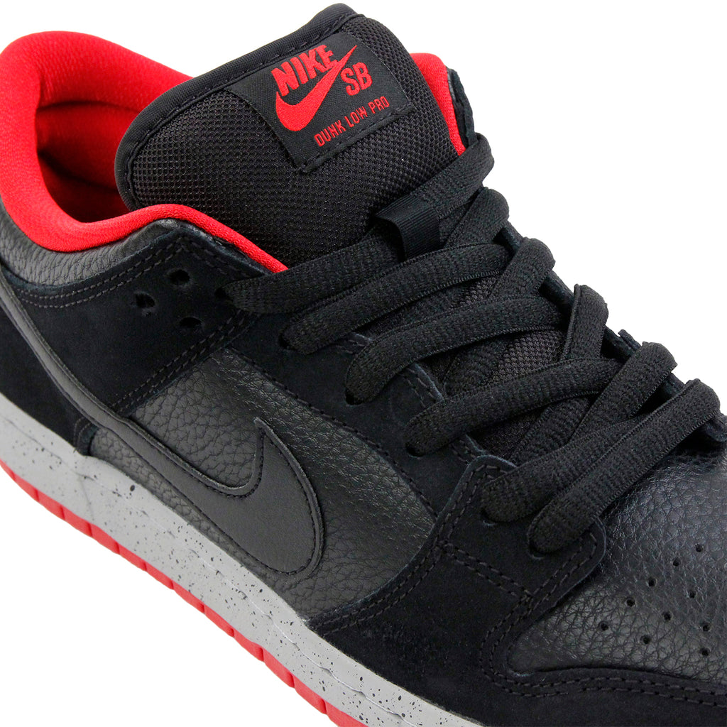 Nike SB Dunk Low Pro Shoes in Black / Black / Wolf Grey / University Red - Laces