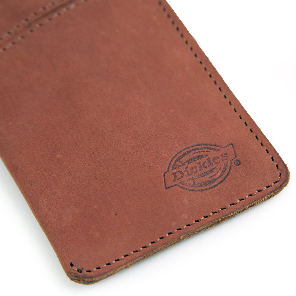 Dickies Larwill Card Wallet in Chestnut - Detail