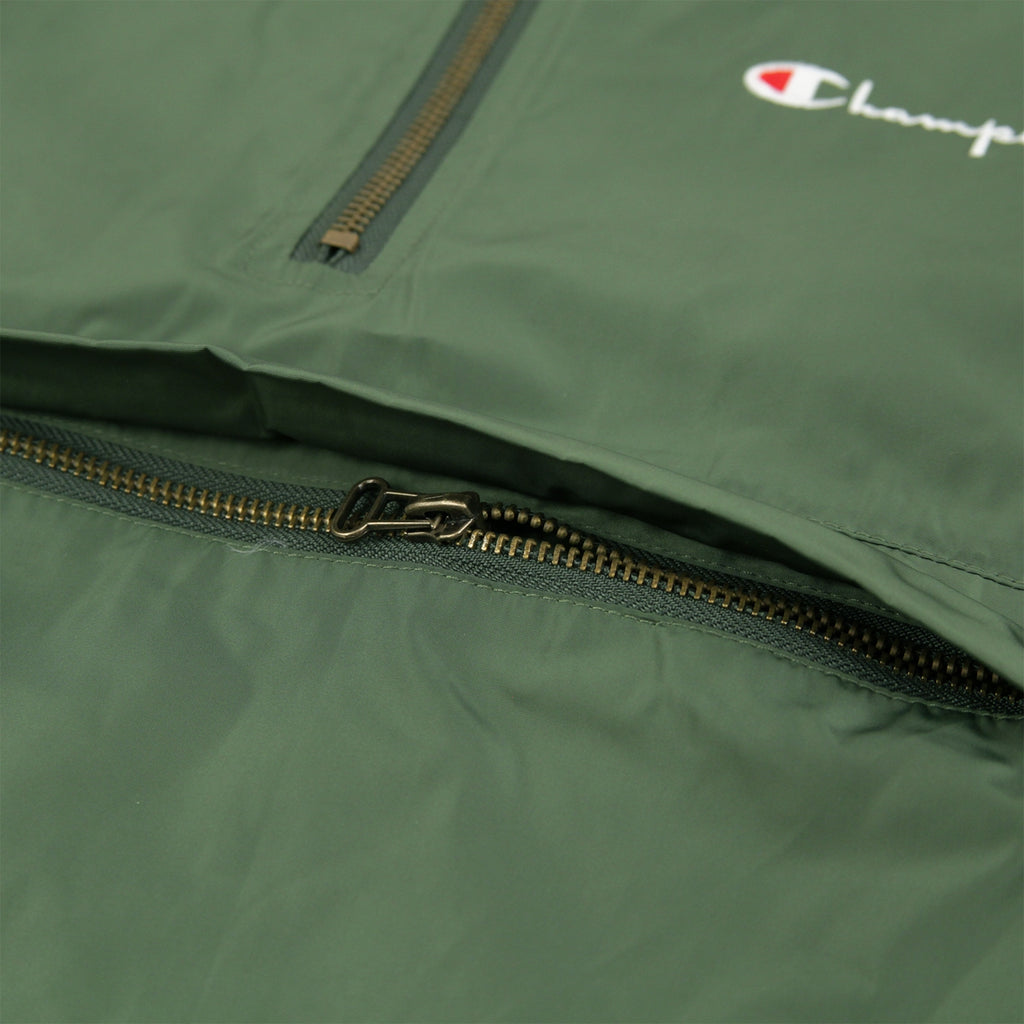 Champion Reverse Weave Half Zip Wind Jacket in Bottle Green - Pocket