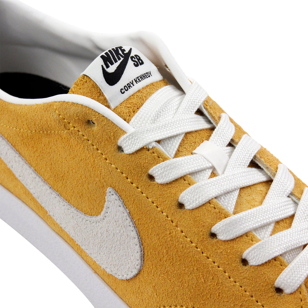 Nike SB Zoom All Court CK Shoes in University Gold / Summit White - Black - Laces