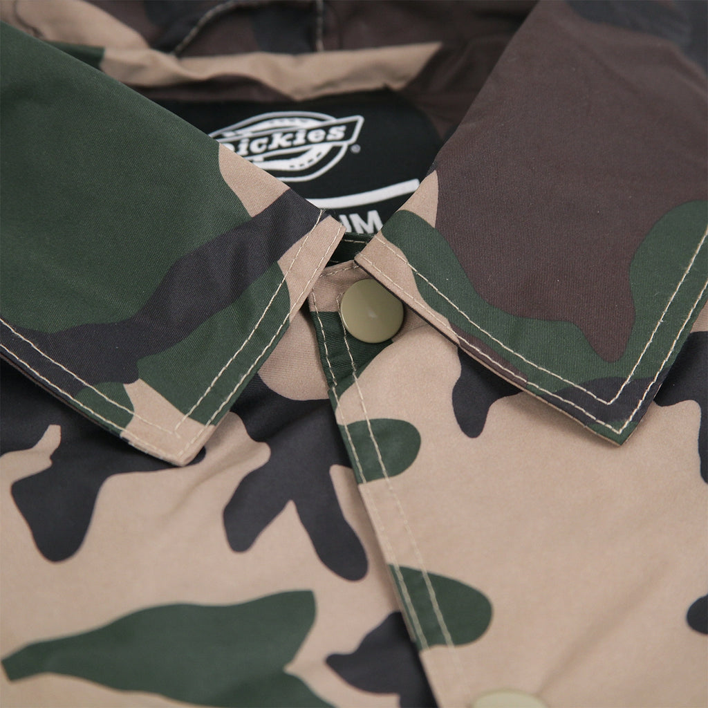 Dickies Torrance Jacket in Camouflage - Collar