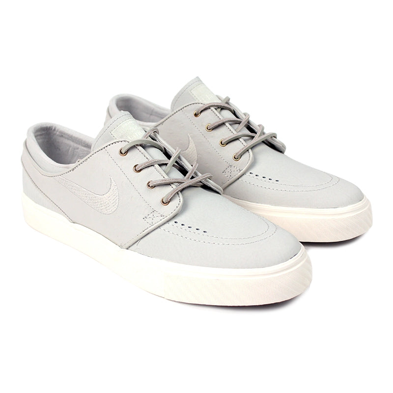 Nike SB Stefan Janoski PR SE Shoes in Light Bone / Light Bone / Sail - Paired