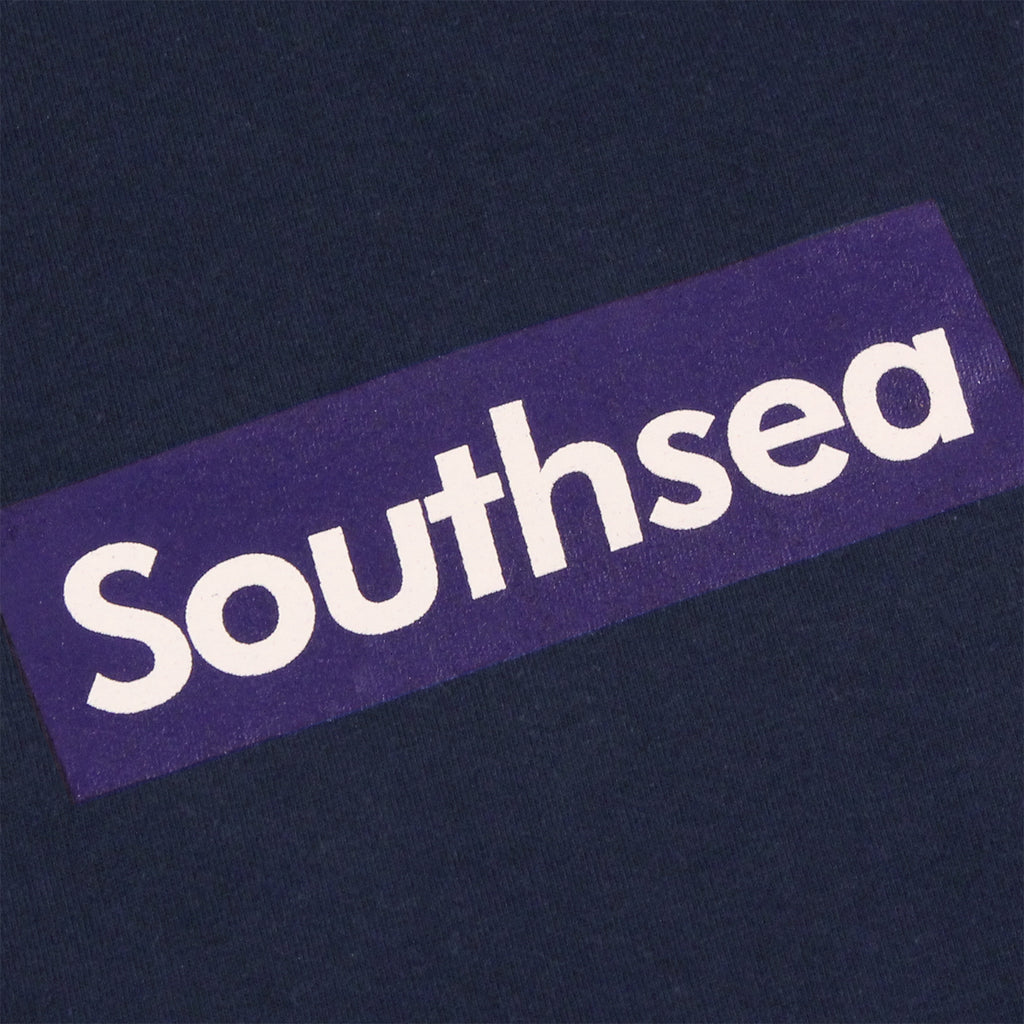 "Bored of Southsea ""Southsea"" T Shirt in Navy / Blue Box - Print"