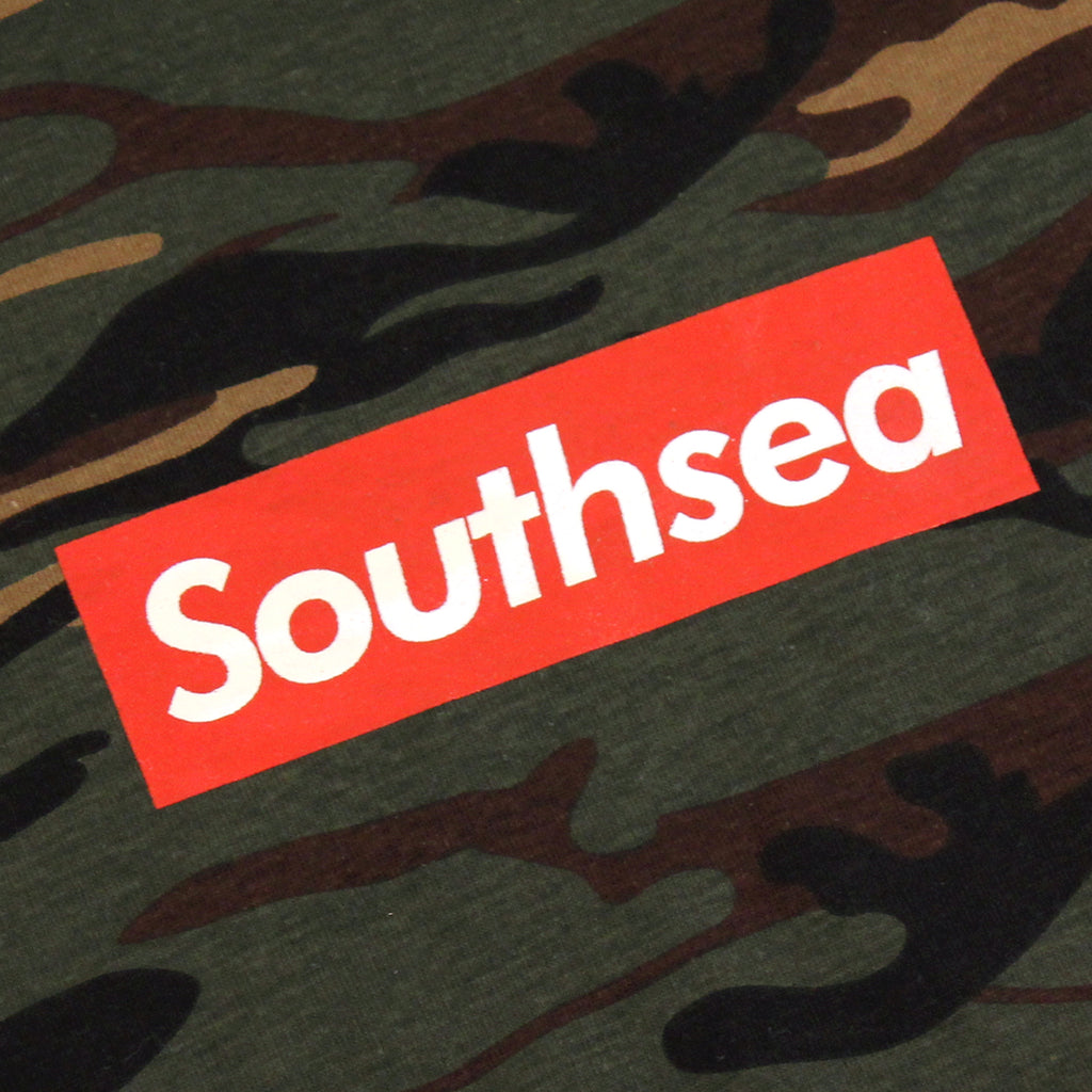 "Bored of Southsea ""Southsea"" T Shirt in Camouflage / Red Box - Print"