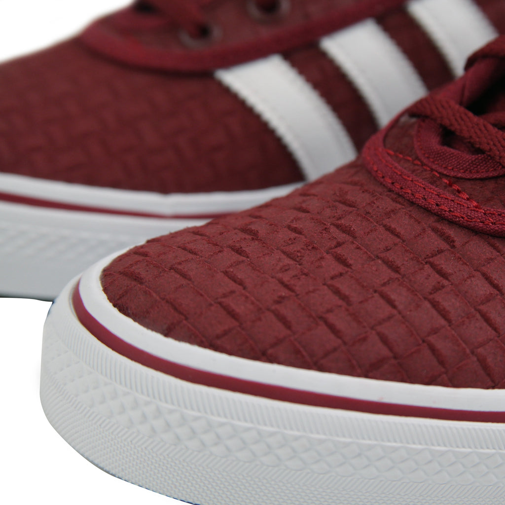 Adidas Skateboarding 'Daewon' Adi Ease Shoes in Collegiate Burgundy / Footwear White / Gold Metallic - Toe