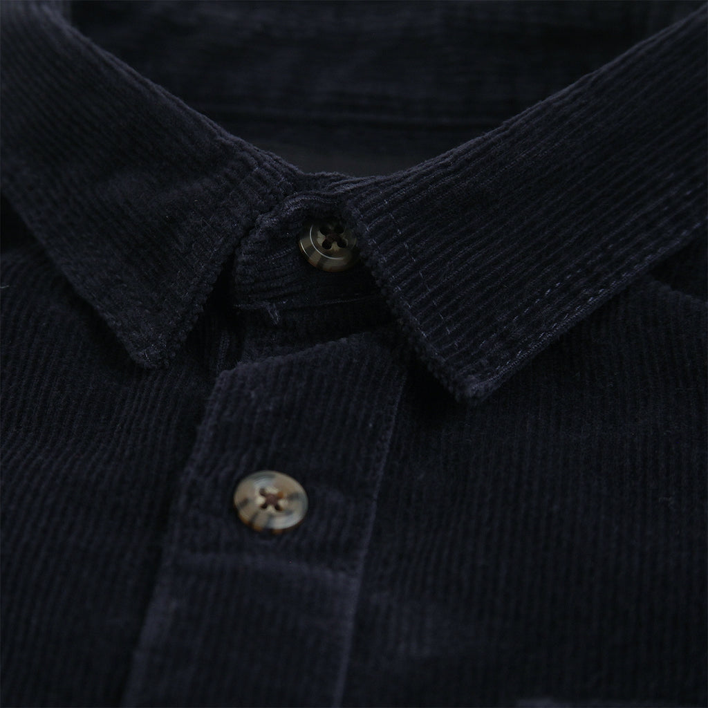 Dickies Arthurdale Shirt in Dark Navy - Collar