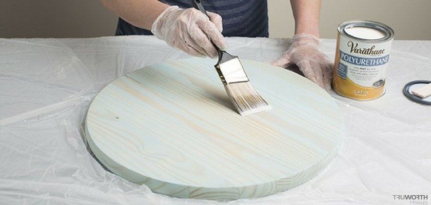 Application of Polyurethane On Wooden Board