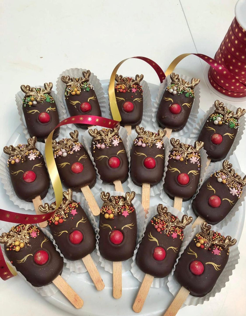 Christmas Cakesicles (Box of 4)
