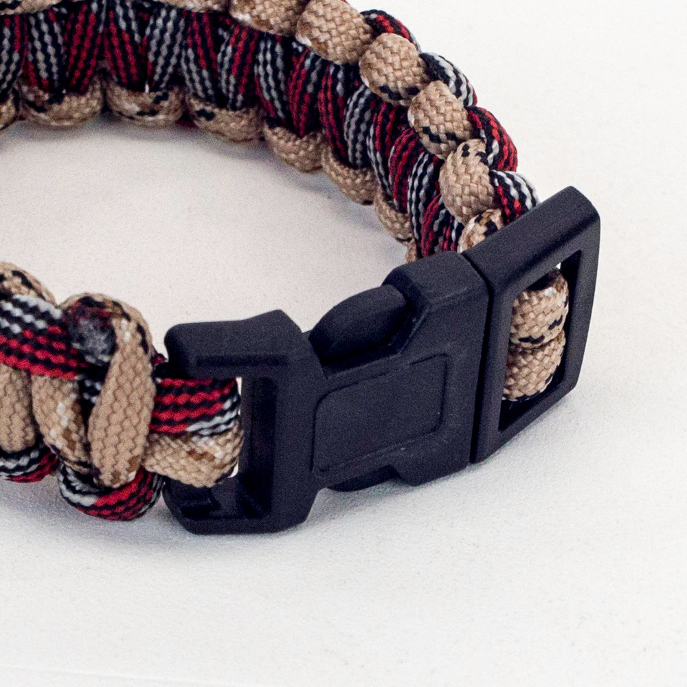 Paracord Bracelet zoomed