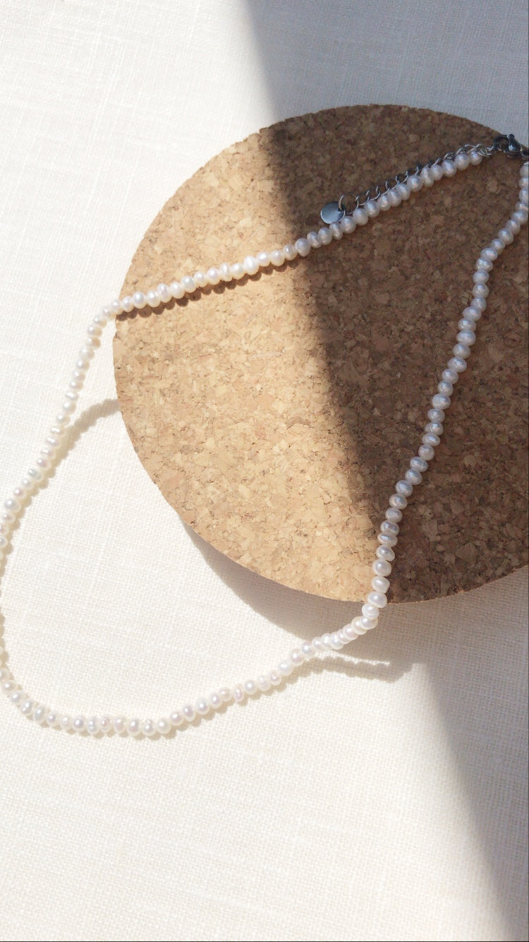 the pearlette necklace