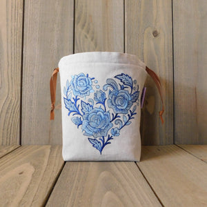 Delft Rose Heart