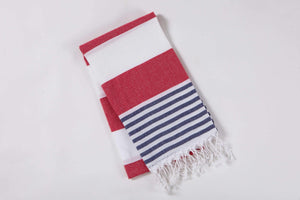 beach towel with stripes by Hencely