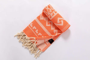 Serviette de plage aztèque orange par Hencely