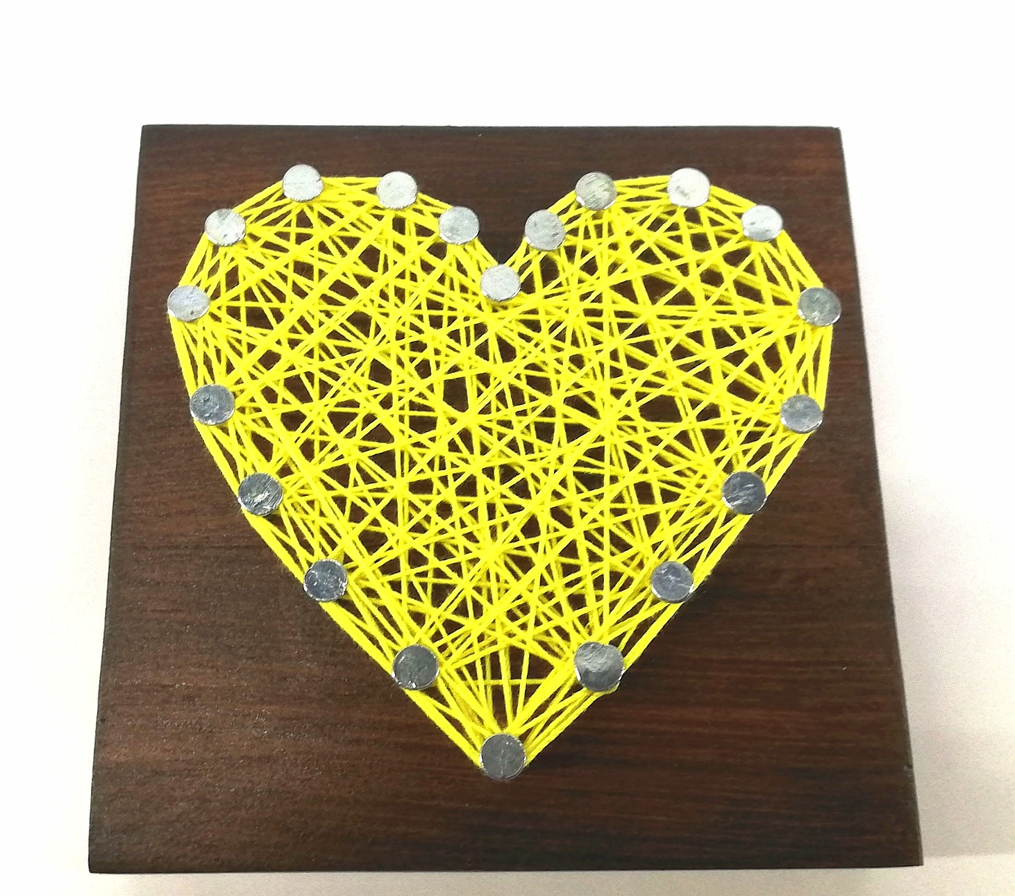 Hartsnare - Heart 100mmx100mm Assorted string and wood