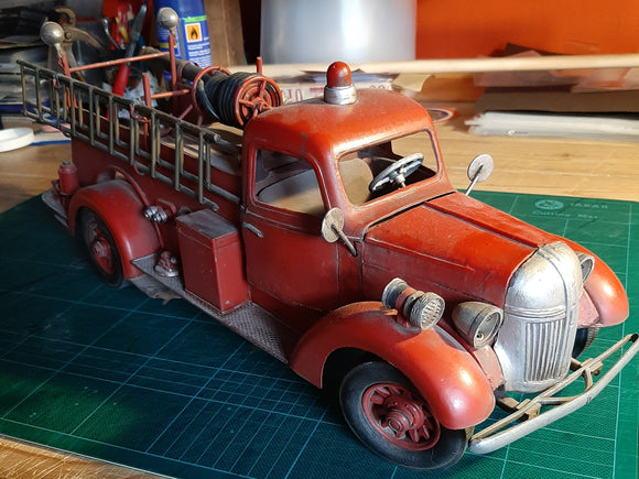 Fire Engine 1940s GMC  50cm long. Handsome beast !