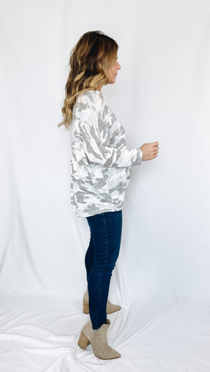 Amy Camo Top- Gray