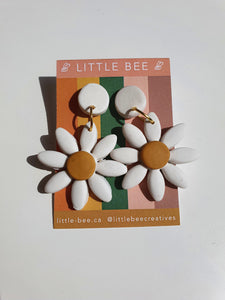 Classic Daisy Earrings