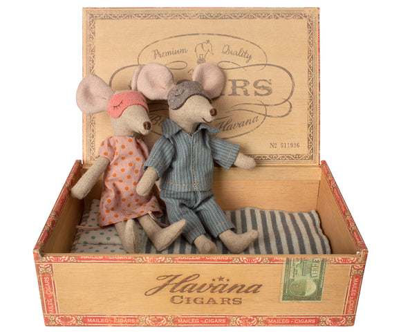 Mom & Dad Mice in Cigar Box