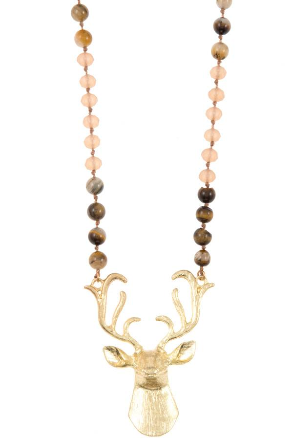 Reindeer etched pendant beaded necklace set