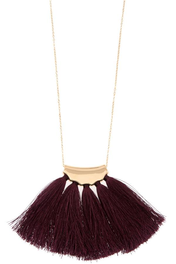 Elongated tassel fan pendant necklace
