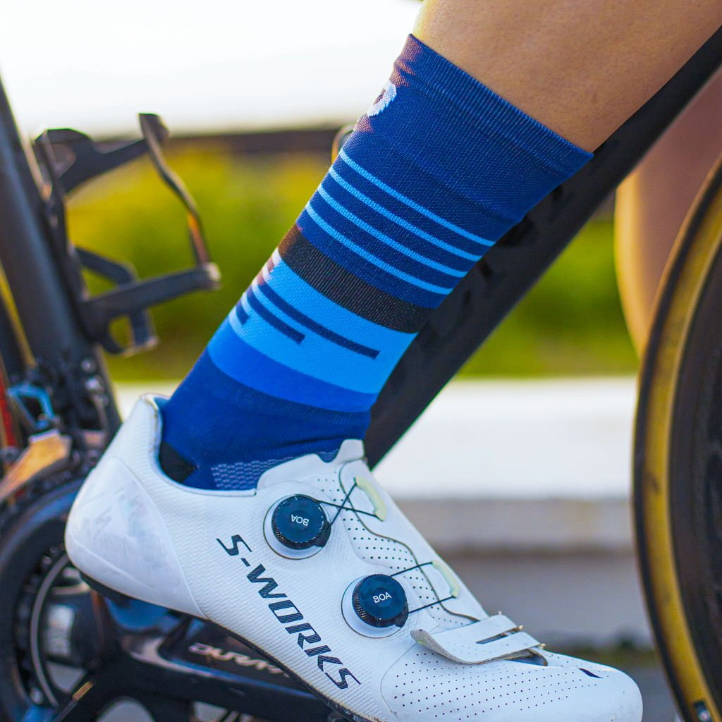 blue cycling socks from ciovita and versus
