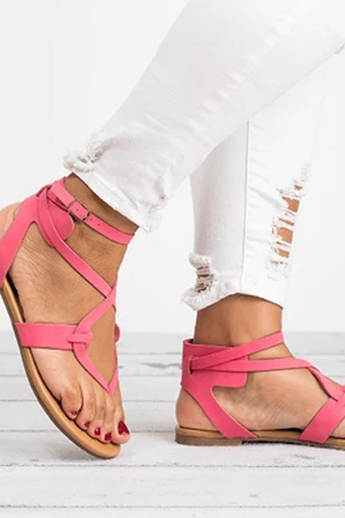 Ribbon Pinches The Bottom Of The Foot Sandal