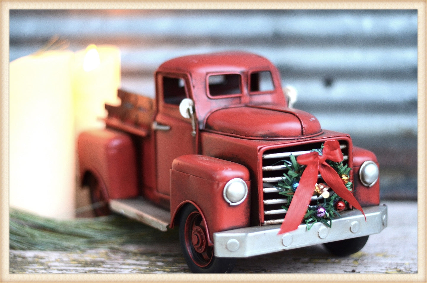 STUBBY RED TRUCK W/WREATH - SEASONAL-HOLIDAY