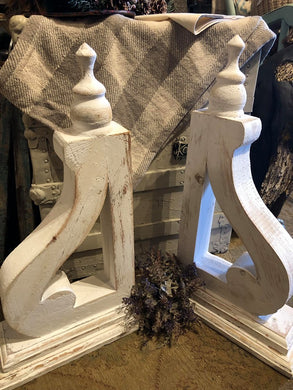 Corbels - White - Set of 2