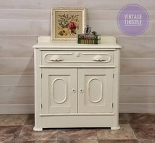 Load image into Gallery viewer, Dixie Belle Chalk Paint - BUTTERCREAM