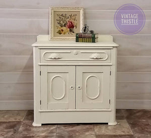 Dixie Belle Chalk Paint - BUTTERCREAM