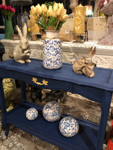 Load image into Gallery viewer, Dixie Belle Chalk Paint - BUNKER HILL BLUE