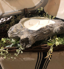 Load image into Gallery viewer, River Chic Candles - Log Candle - Small