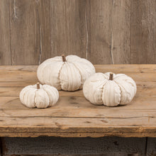 "Load image into Gallery viewer, 4"" PARCHMENT KNIT PUMPKIN"