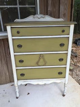 Load image into Gallery viewer, Dixie Belle Chalk Paint - HOLY GAUCAMOLE