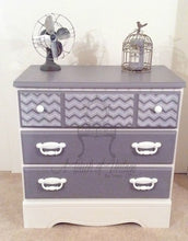 Load image into Gallery viewer, Dixie Belle Chalk Paint - MASON DIXON GRAY